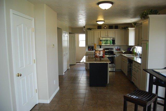 moderní kuchně v rodinném domě