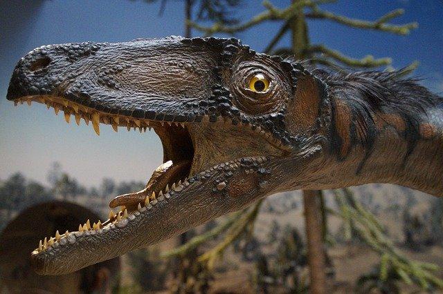 figurina dinosaura