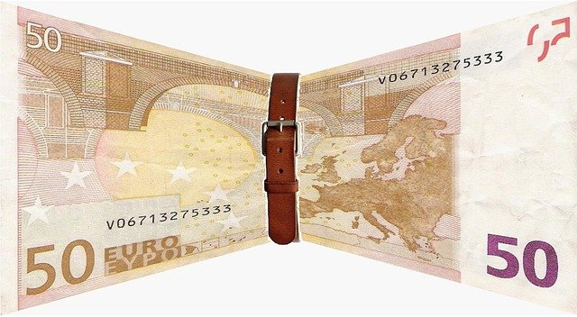 bankovka s opaskem