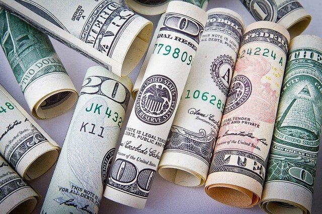 ruličky z peněz.jpg