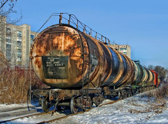 cisterny na vagonech.jpg