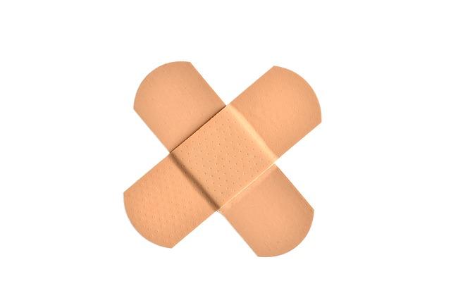 křížek z náplastí
